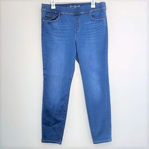 Gloria Vanderbilt   Slimming Effect Jeans Size 14